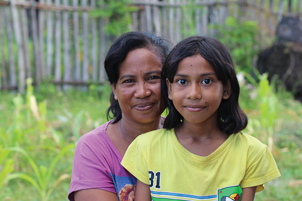 Asria and her daughter live on Rote Island, Indonesia. © Sarah Gray